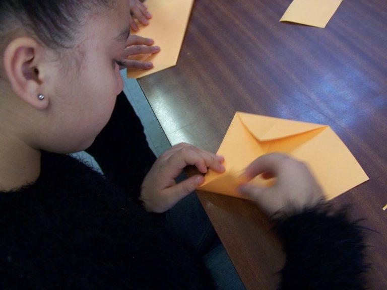 Créer une origami selon un modèle que l'on connait déjà.