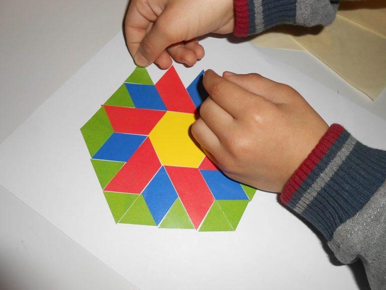 """Créer un motif floral à base de géométrie.. ici on maîtrise parfaitement le """"bords à bords"""""""