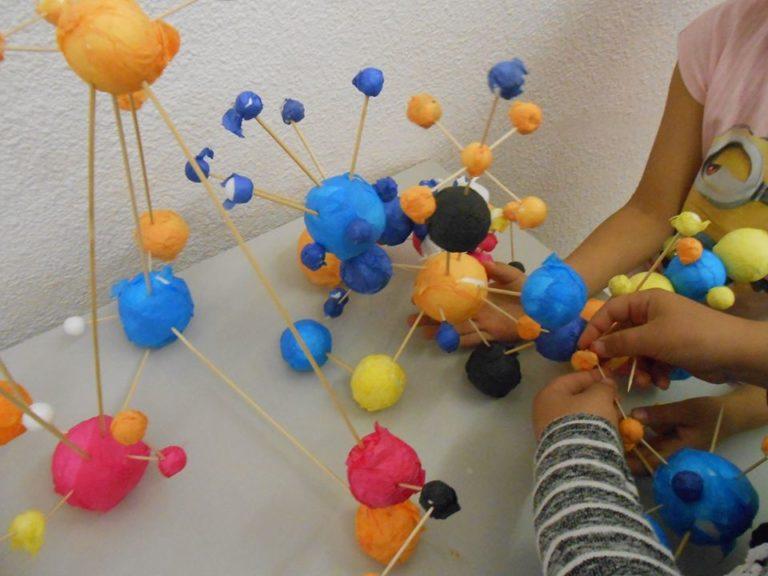 Deux énormes structures en 3D sont apparues à la fin de la séance.
