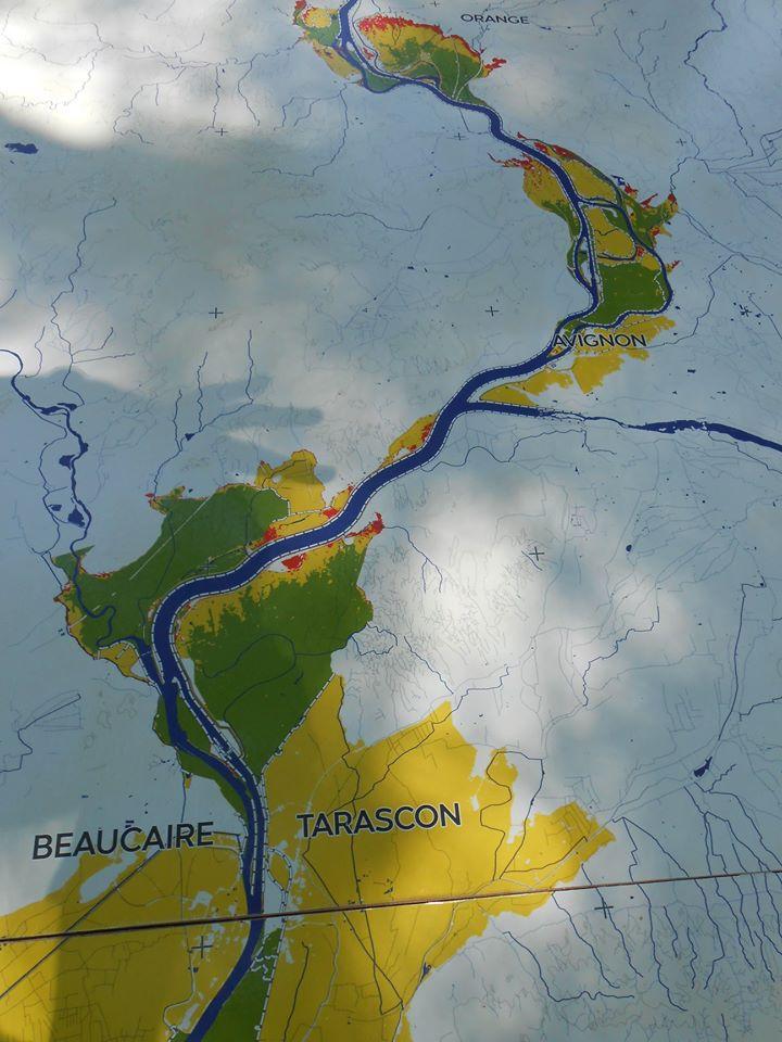 le fleuve et ses affluents constituent un réseau connecté d'énergie qui circule